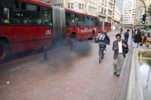 bus-transmilenio-contamina-bogota